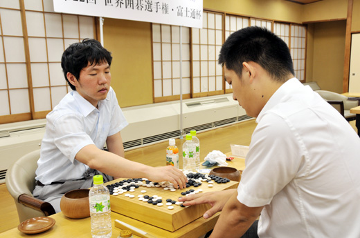 Lee Changho defeated Chang Hao in Fujitsu 2009 semifinal